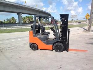 รีวิว รถยก Forklift Toyota รุ่น 8FGCU25